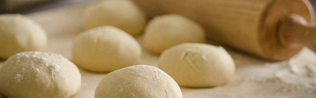 Baking - dough with roller